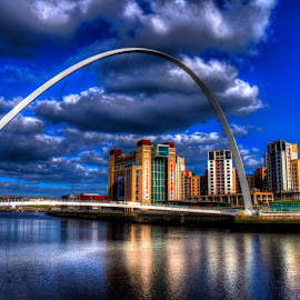 Newcastle  by Gordon Bain - City,  Street & Park  Skylines ( newcastle hdr )