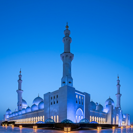Sheikh Zayed Grand Mosque by Karim Eldeghedy - Buildings & Architecture Places of Worship ( hdr, d750, blue hour, mosque, abu dhabi, architecture, 16-35, nikon )