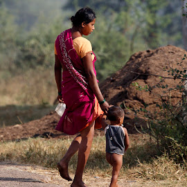 Mother & Child by Bhagwat Tavri - People Street & Candids ( villagers, hemlate, tribe, india, people )