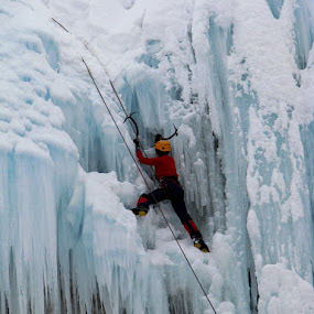 Ice fall II by Hamed Ghalandar - Sports & Fitness Climbing ( tehran, meigoon, iran, hameloon valley )