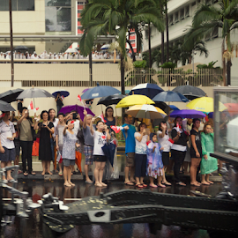 Crowd waving at the passing LKY cortege at CPIB by Tee Lip Lim - People Street & Candids ( procession, raining, cortege, umbrella, funeral, lee kwan yew, lky, respect )