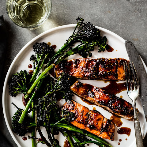 Teriyaki Salmon with Broccoli Rabe