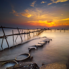 Moving On by Jose Hamra - Landscapes Sunsets & Sunrises ( tanjungkait, haida, jakarta,  )