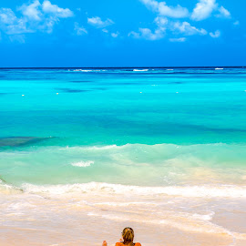 Cancun, Mexico by Arif Sarıyıldız - City,  Street & Park  Vistas ( travel photography, mexico, caribbean, cancun, sea )