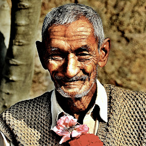The grand old Man by Siddhartha Chitranshi - People Portraits of Men ( old age, wrinkles, old, people, man )