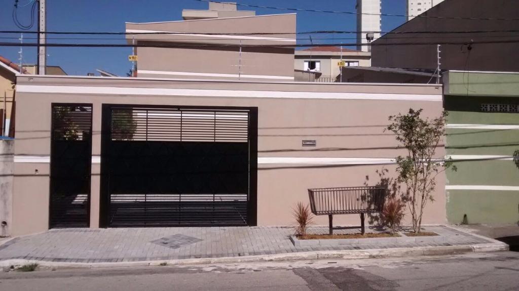 Lindo condomínio de sobrados próximo à estação Oratório do monotrilho!