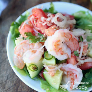 Vietnamese Cucumber and Shrimp Salad (Goi Dua Chuot)