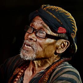 Portrait of old men by Tamlikho Tam - People Portraits of Men