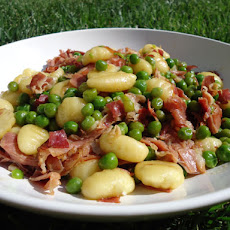 Gnocchi, Sausage, Tomato, Peas, Smoked Mozzarella Recipes — Dishmaps