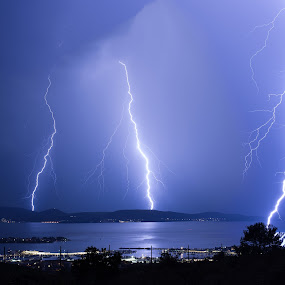 Thuderstorm by Ivan Stulic - Landscapes Weather ( lightning, thunderstorm, cumulonimbus, cloud, night )