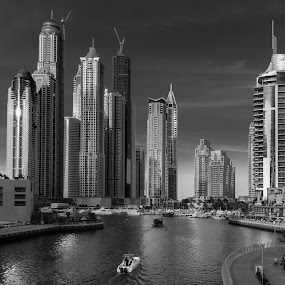 Dubai Marina 2 by Walid Ahmad - Black & White Buildings & Architecture ( dubai, uae, cityscape )