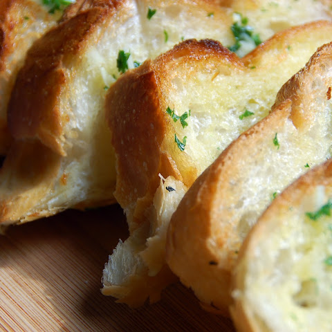 MY PIE SUPER CHEESY GARLIC BREAD