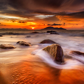 Sunset moment  by Dany Fachry - Landscapes Beaches