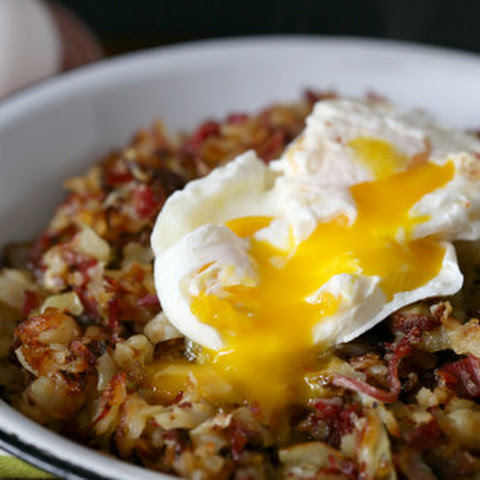 Corned Beef Hash with Horseradish Cream Sauce