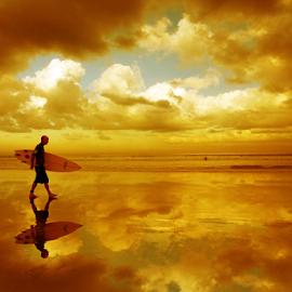 Walking between Cloud by Suloara Allokendek - People Street & Candids ( walking, cloud, beach, men, golden )