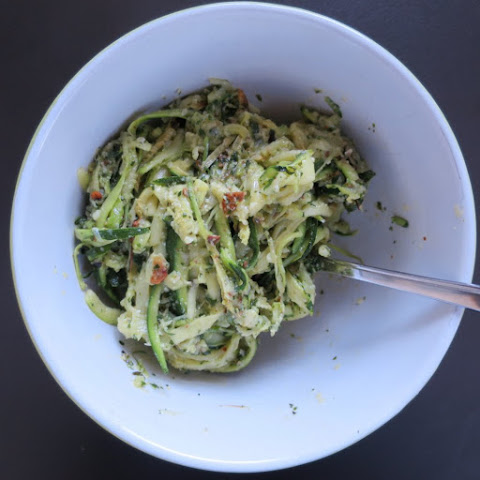 Garlic, Parmesan, and Basil Pesto Zucchini Pasta
