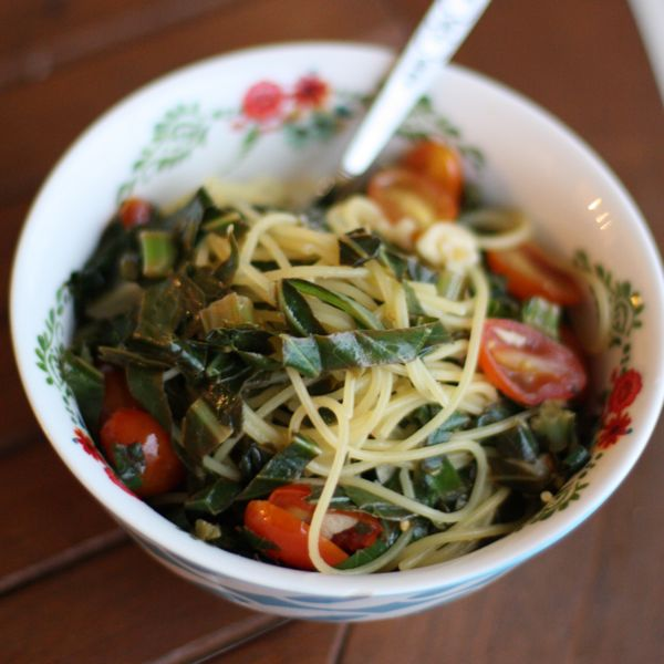 Quinoa Spaghetti with Garlicky Greens and Tomatoes Recipe | Yummly
