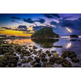 by Didik Hariyanto - Instagram & Mobile Instagram ( canon, landscape, naturescape, exploremalang, exploremalangbeach, goacina, malang, malangselatan, jawatimur, kaleidoscape,  )
