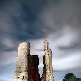 Old Optic Telegraph Tower. by Francisco Garcia Rios - Buildings & Architecture Decaying & Abandoned ( ruinas, españa, architecture, estrellas, telegraph, fotografía nocturna, spain, military, night photography, militar, cuenca, nubes, noche, ruins, motilla del palancar, clouds, arquitectura, 19th century, óptico, telégrafo, tower, stars, siglo xix, night, torre, abandon, decay, optic )