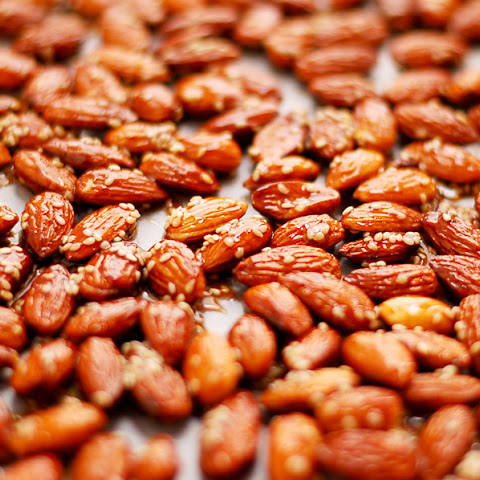 Roasted Almonds In Maple Glaze