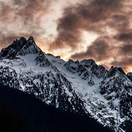 Whitehorse Sunset by David Fryman - Landscapes Mountains & Hills ( mountain, pacificnorthwest, sunset, northcascades, explorewa )