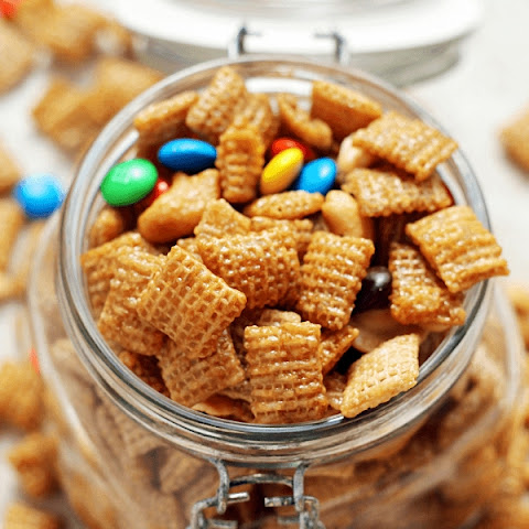 Sweet & Salty Cashew Chex Mix