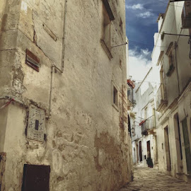 Martina Franca - centro storico(EOS 350D) by Domenico Liuzzi - City,  Street & Park  Historic Districts