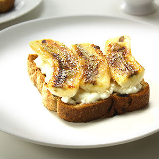 Fruit Toast with Cottage Cheese and Banana
