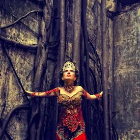 Red by Erlangga Sen - People Fashion