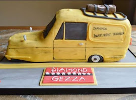Trotters van shaped cake