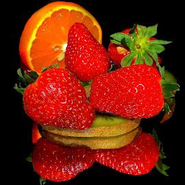 kiwi,orange and strawberry  by LADOCKi Elvira - Food & Drink Fruits & Vegetables ( fruits )