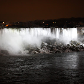Niagra Falls by Linda Hodges - Novices Only Landscapes