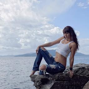 Melissa Jean on Basalt 2 by Rakesh Malik - People Fashion ( natural light, sexy, model, girl, female, outdoor, sea, ocean, view, boulder, beach, pretty )