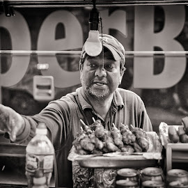 by Dragos Tranca - People Street & Candids