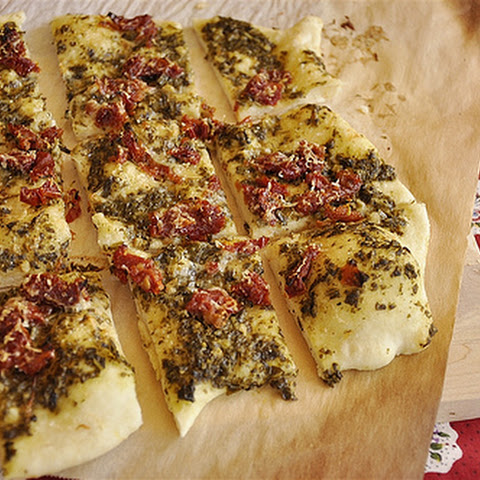 Sundried Tomato and Pesto Flatbread