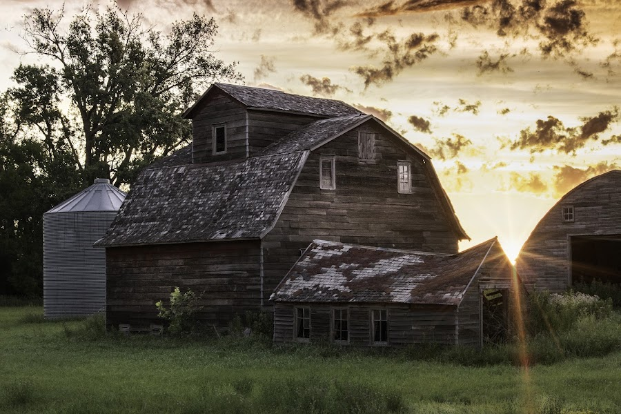 MORNING ON THE FARM by Dana Johnson - Buildings & Architecture Other Exteriors ( sunrise, barn, farm, building, architecture, morning )