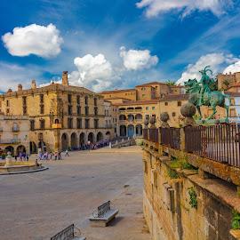 plaza mayor, Trujillo, Cáceres by Roberto Gonzalo - City,  Street & Park  Vistas ( trujillo, cáceres )