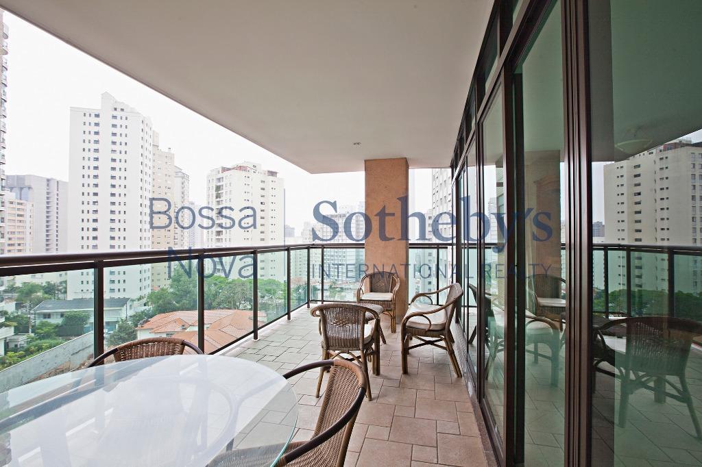 Apartamento mobiliado com varanda gourmet e lazer
