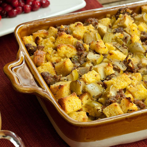 Cornbread, Sausage, and Apple Stuffing