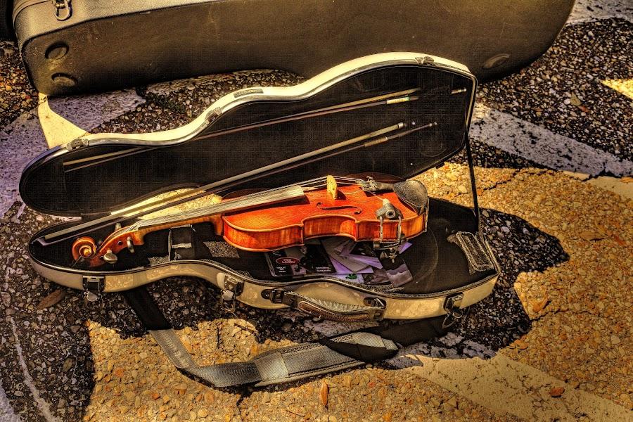 Cajun Music by Ron Olivier - Digital Art Things ( violin, acadian, cajun music, , Christmas, card, Santa, Santa Claus, holiday, holidays, season, Advent )