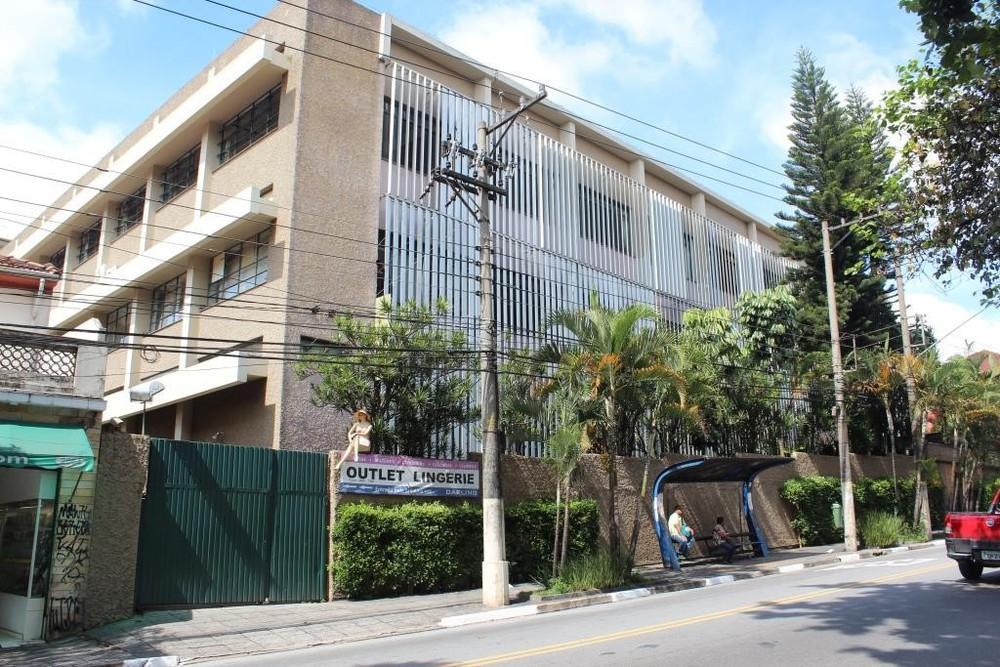 Tucuruvi - Edifício Industrial 8,813m²  03 Pavimentos Elevador de Carga 25 Vagas na Avenida Guapira para Locação.