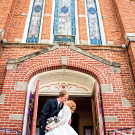 it's done by Jody Jedlicka - Wedding Bride & Groom ( wedding photography, weddings, wedding, midwest, bride and groom )