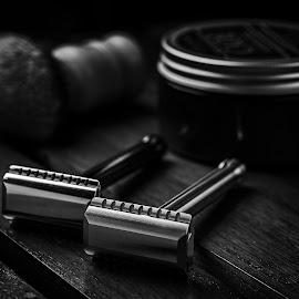 The Blackbird by Ferdinand Ludo - Black & White Objects & Still Life ( double edge razor, awesome shae, polished and brushed )