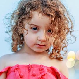 by Veli Toluay - Babies & Children Child Portraits ( masum, çoçuk portresi, çoçuk, portre, güze )