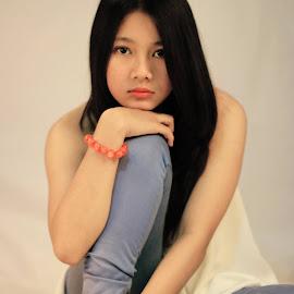 by Kempyut Kimprut - People Fashion