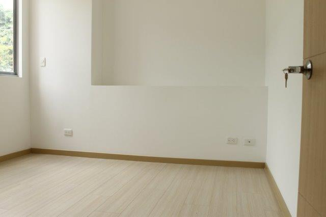 apartamento en arriendo loma del chocho 594-16618