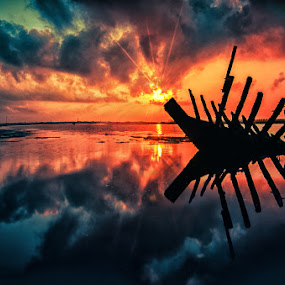 the ribs by Raung Binaia - Landscapes Sunsets & Sunrises ( silhouette,  )