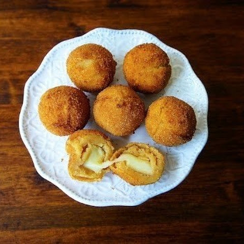 Potato Balls With Cheese