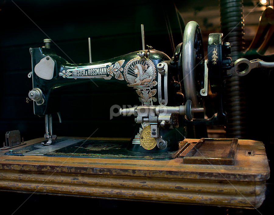 Sewing machine by Peter Greenhalgh - Artistic Objects Antiques ( frister and rossmann, old, sewing machine, antique, clothes making )