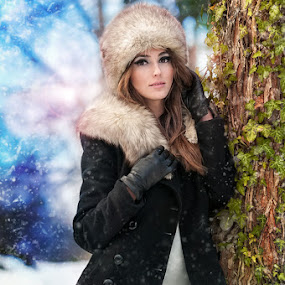 winter shoot by Iancu Cristi - People Portraits of Women ( fashion )